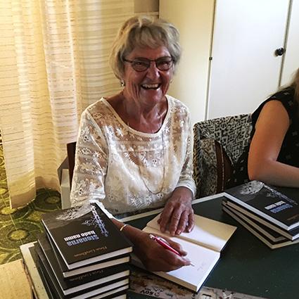 Releaseparty för Elna Lindboms nya roman Stenarna hade namn